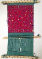 textil-artesanal-oaxaqueno-verde-y-rosa-con-detalles